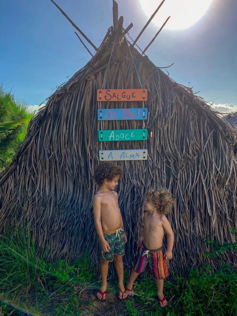 Cauê e Ian no Ibaté Camping, Baía da Traição - PB