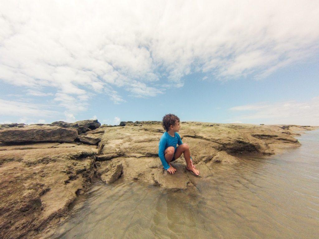 Cauê nas piscininhas de Barra do Cunhaú - RN