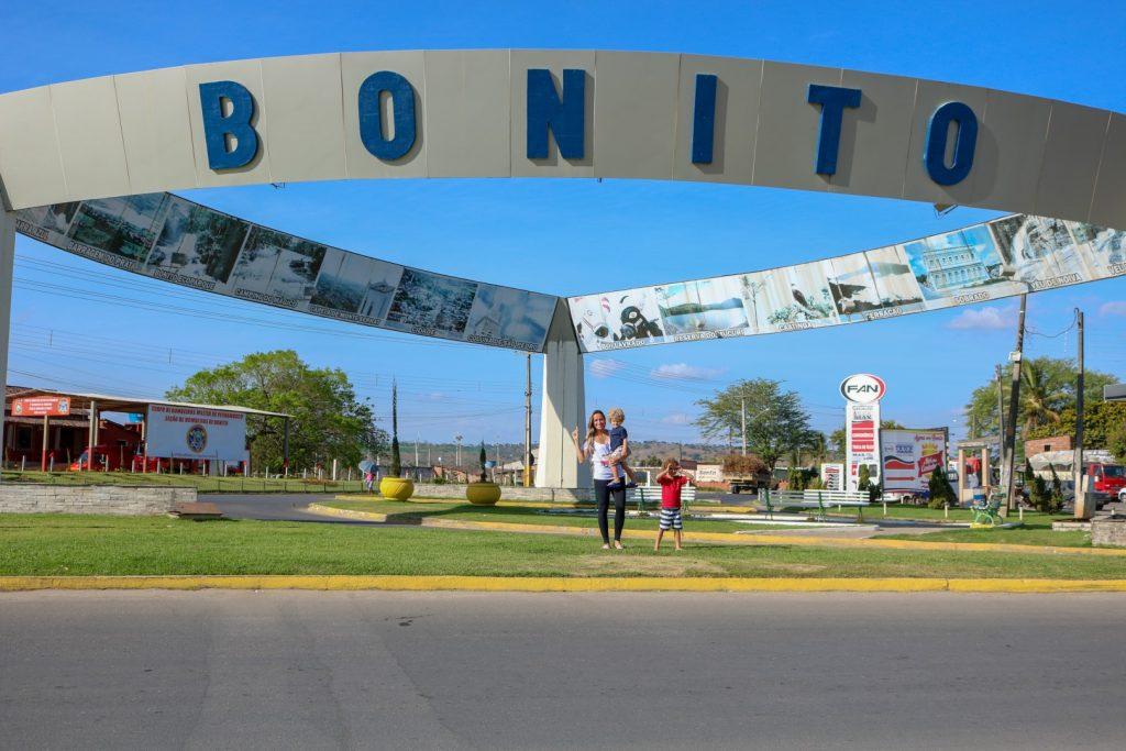 Portal na entrada de Bonito - PE